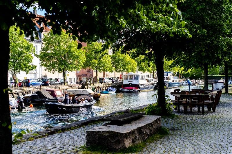 Copenhagen Canal tour - havnerundfart og kanalrundfart i københavn - boat tour copenhagen - Hey Captain 26