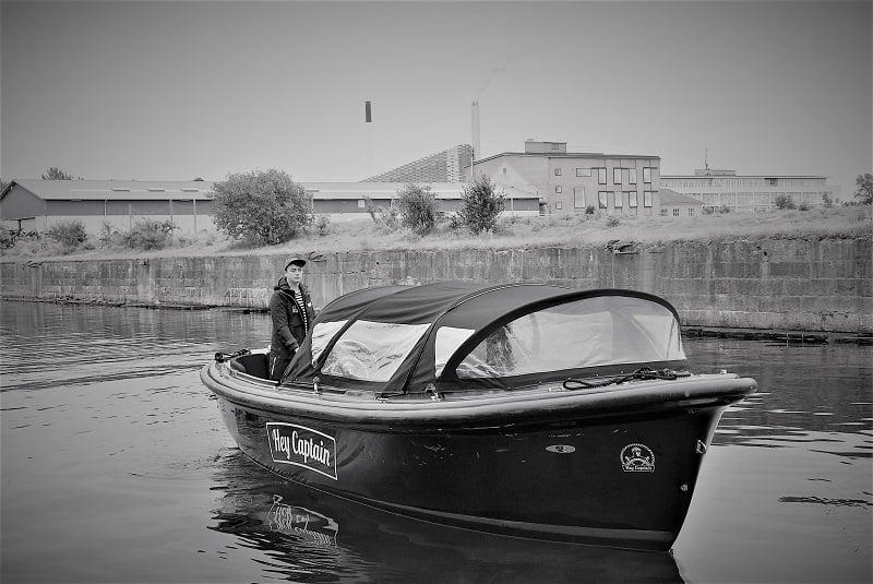 Copenhagen Canal tour - havnerundfart og kanalrundfart i københavn - boat tour copenhagen - Hey Captain 105